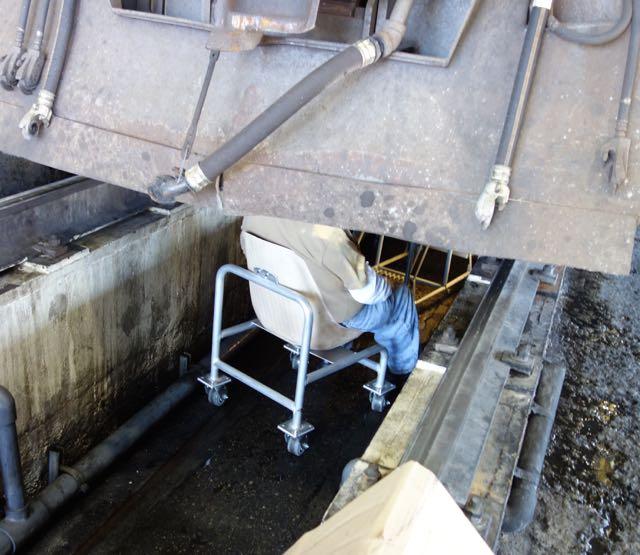 Locomotive Pit rolling seat.
