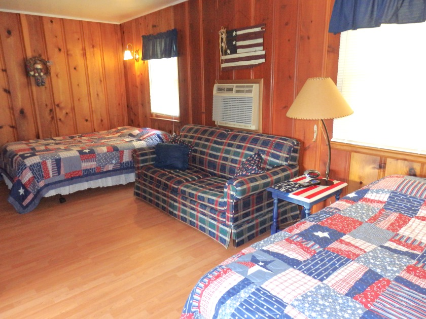 Cabin 7, Bed Area