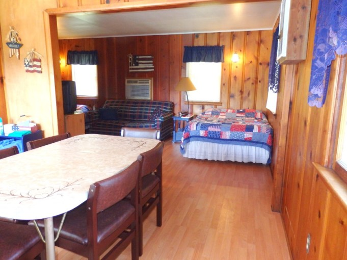 Cabin 7, Living Area
