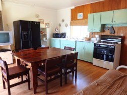 Cabin 8, Kitchen/Dining