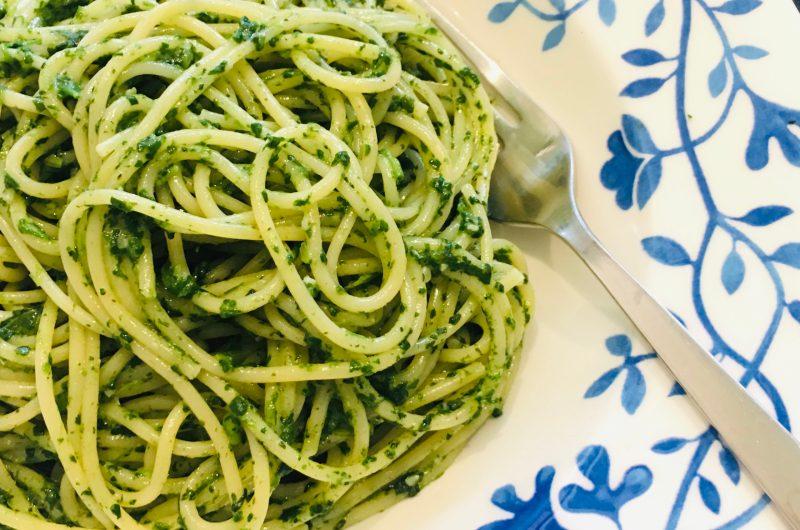 スパゲッティとほうれん草ソース