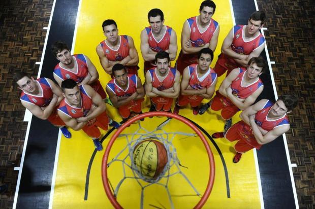 Blumenau estreia no basquete masculino