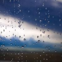 Rain On a Plane | Blurbomat.com