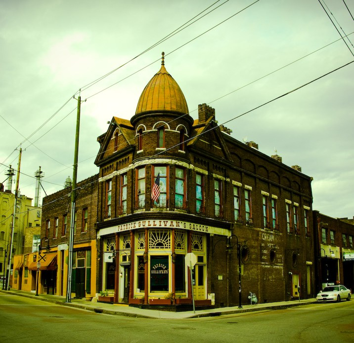 Henry Sullivan's Saloon - Old City, Knoxville, Tennessee | Blurbomat.com