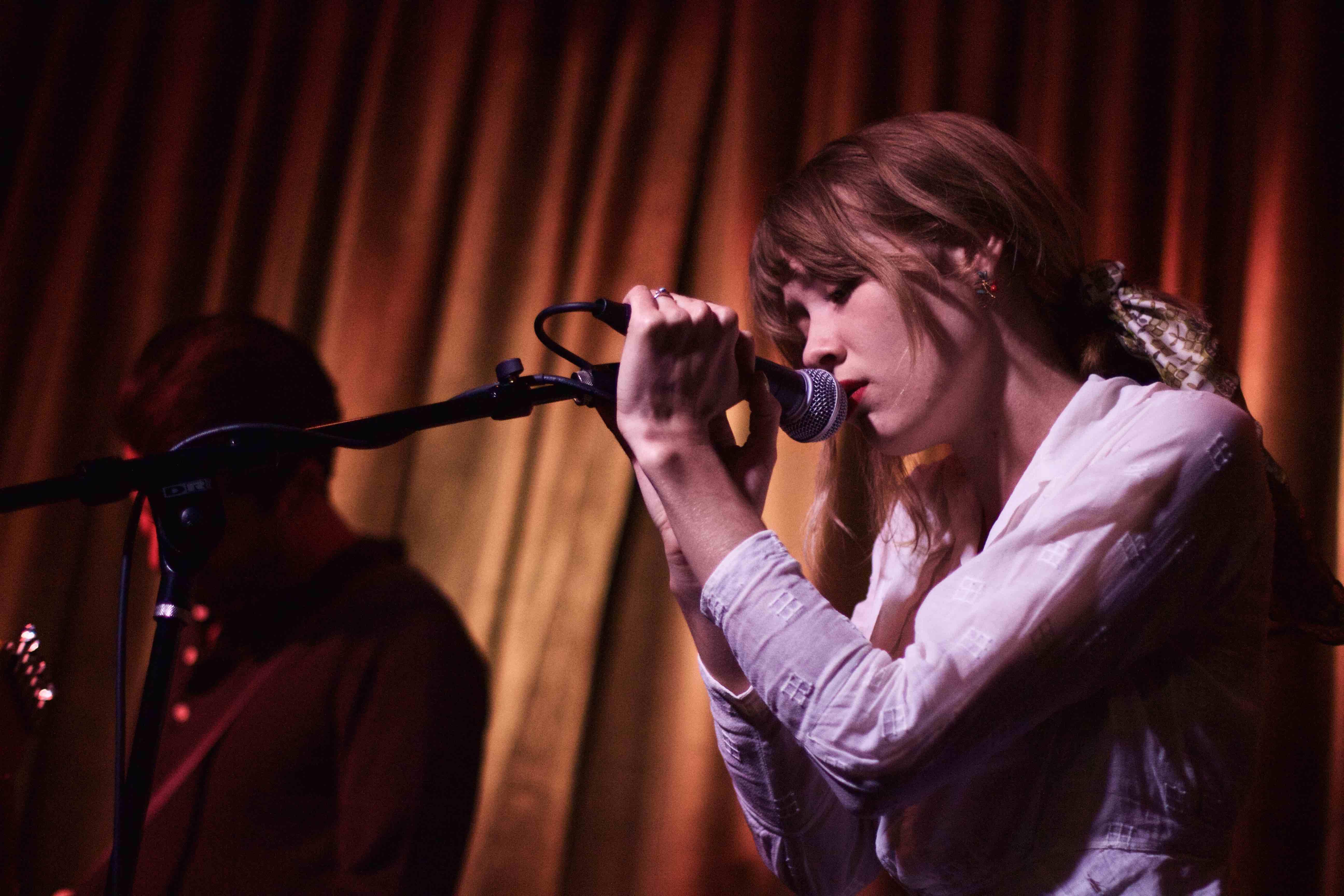 Alexandra Savior @ Hotel Cafe 5/12/16 | Concert Photo By Derrick K Lee