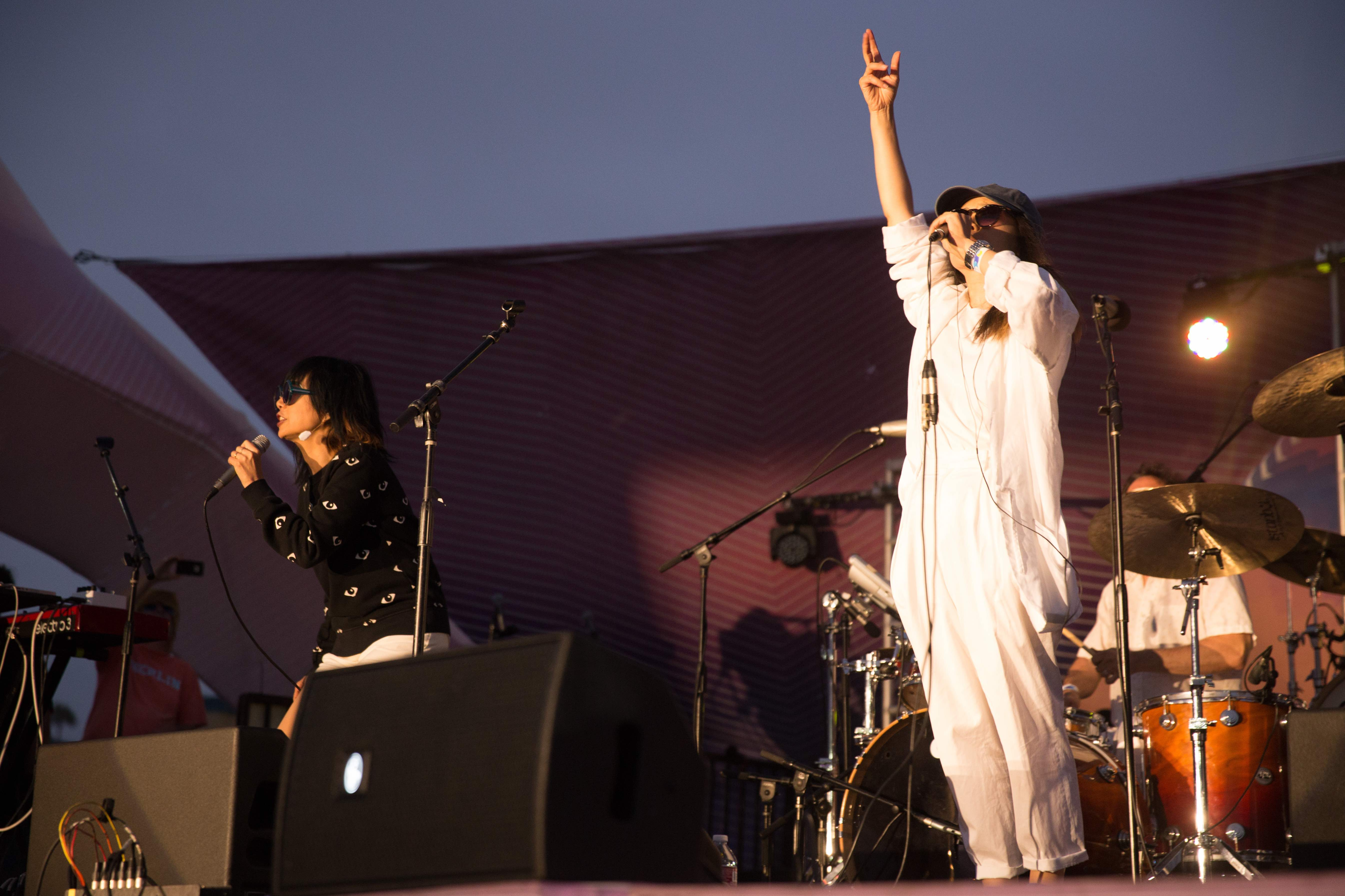 Cibo Matto at Santa Monica Pier's Twilight Concert 8/25/16. Photo by Elise Hillinger (@Ela_Fauxtow) for www.BlurredCulture.com.