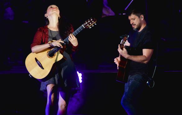 Rodrigo y Gabriela at Hollywood Bowl 8/14/16. Photo by Derrick K. Lee, Esq. (@Methodman13) for www.BlurredCulture.com.