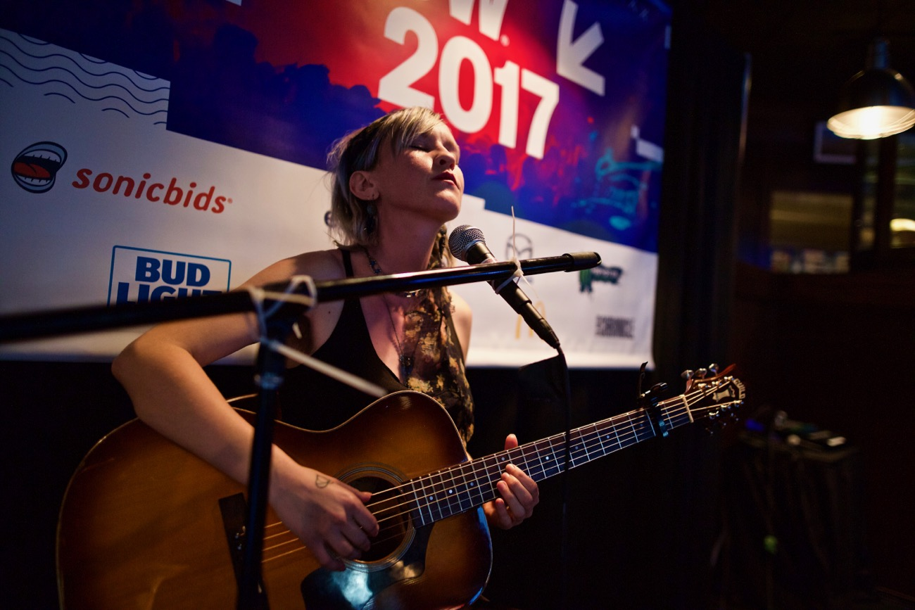 Johanna Warren // Champions Sports Bar // SXSW 3/14/2017. Photo by Derrick K. Lee, Esq. (@Methodman13) for www.BlurredCulture.com.