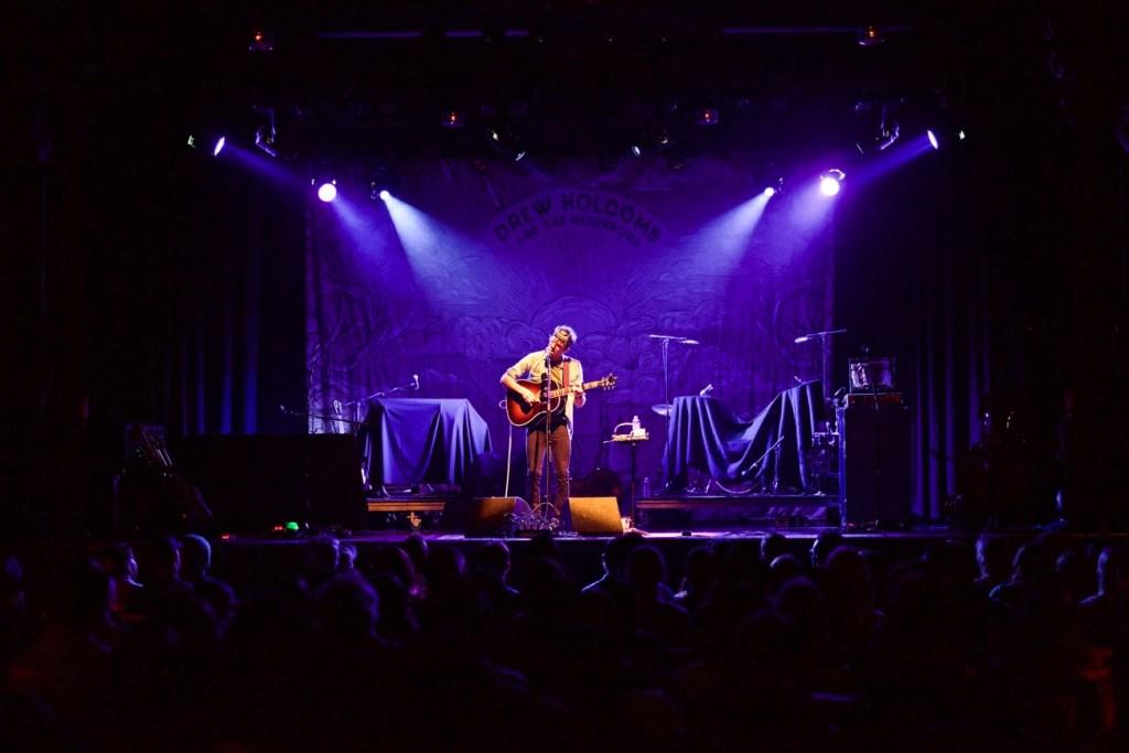 Stephen Kellogg @ El Rey Theatre 4/27/17 // Photo by Derrick K. Lee, Esq. (@Methodman13) for www.BlurredCulture.com.