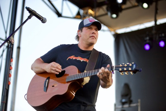 Rodney Atkins @ MuscleKingz Car Show & Concert at SilverLakes Sports Complex July 1, 2017 || Photo by Derrick K. Lee, Esq. (@Methodman13) for www.BlurredCulture.com.