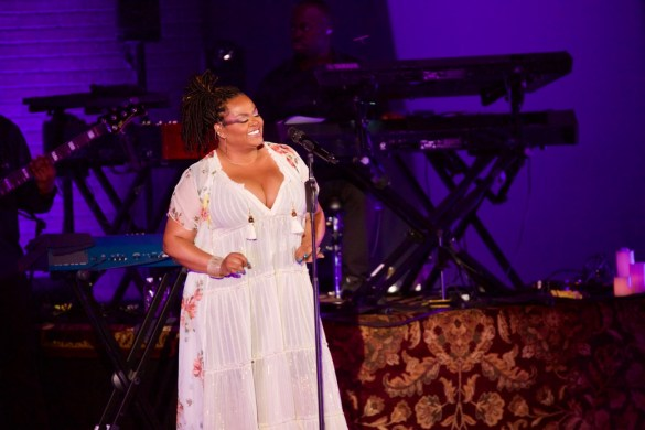Jill Scott at the Hollywood Bowl 8/16/17. Photo by Derrick K. Lee, Esq. (@Methodman13) for www.BlurredCulture.com.