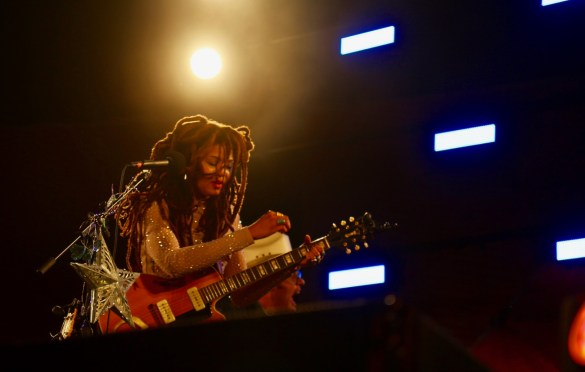 Valerie June at Santa Monica Pier's Twilight Concerts 8/3/17. Photo by Johanna Vanderspool (@JoJoVanders) for www.BlurredCulture.com.