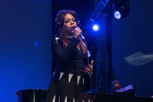 "Valerie Simpson at NPR's ""Turning The Tables"" @ Damrosch Park 7/26/17. Photo by Vivian Wang (@Lithophyte) for www.BlurredCulture.com."