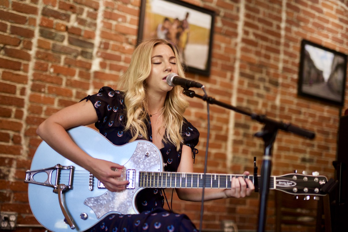 Allie Gonino at Trencher for Echo Park Rising 8/20/17. Photo by Derrick K. Lee, Esq. (@Methodman13) for www.BlurredCulture.com.