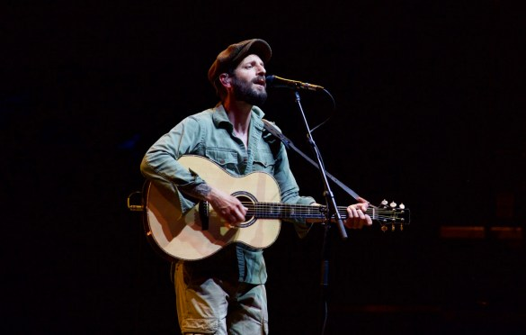 Ray LaMontagne @ The Ohana Fest 9/9/17. Photo by Derrick K. Lee, Esq. (@Methodman13) for www.BlurredCulture.com.