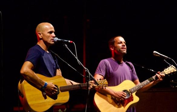 Kelly Slater w/ Jack Johnson @ The Ohana Fest 9/10/17. Photo by Derrick K. Lee, Esq. (@Methodman13) for www.BlurredCulture.com.