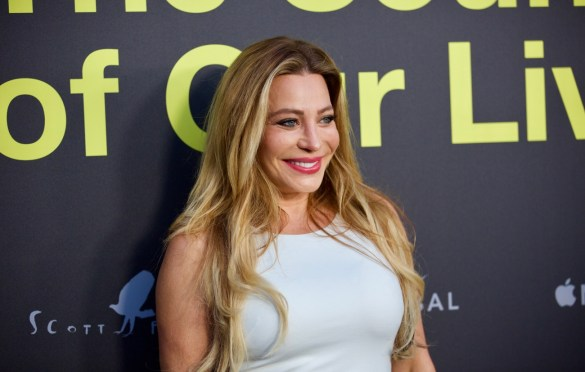 Taylor Dayne on the Red Carpet for
