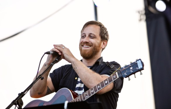 Dan Auerbach at The Growlers Six 10/29/17. Photo by Derrick K. Lee, Esq. (@Methodman13) for www.BlurredCulture.com.