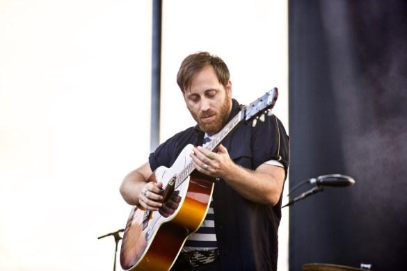 Dan Auerbach at The Growlers Six 10/29/17. Photo by Derrick K. Lee, Esq. (@Methodman13) for www.BlurredCulture.com.