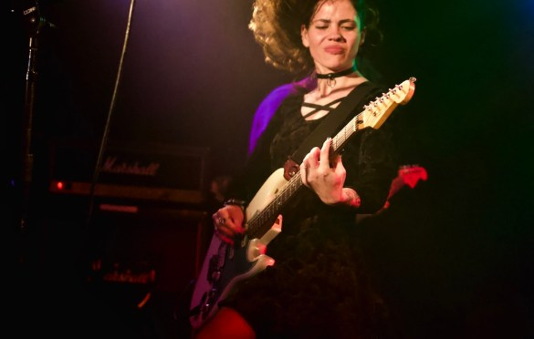 Slowkiss at The Viper Room 11/11/17. Photo by Derrick K. Lee,  Esq. (@Methodman13) for www.BlurredCulture.com.