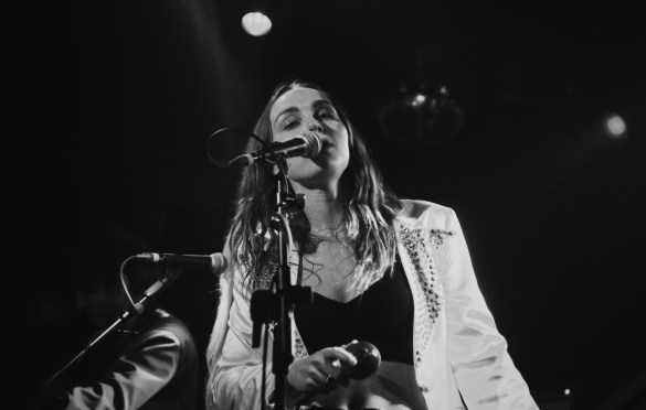 Zella Day at Moroccan Lounge 11/21/17. Photo by Marina Rose (@MarinaRose7) for www.BlurredCulture.com.