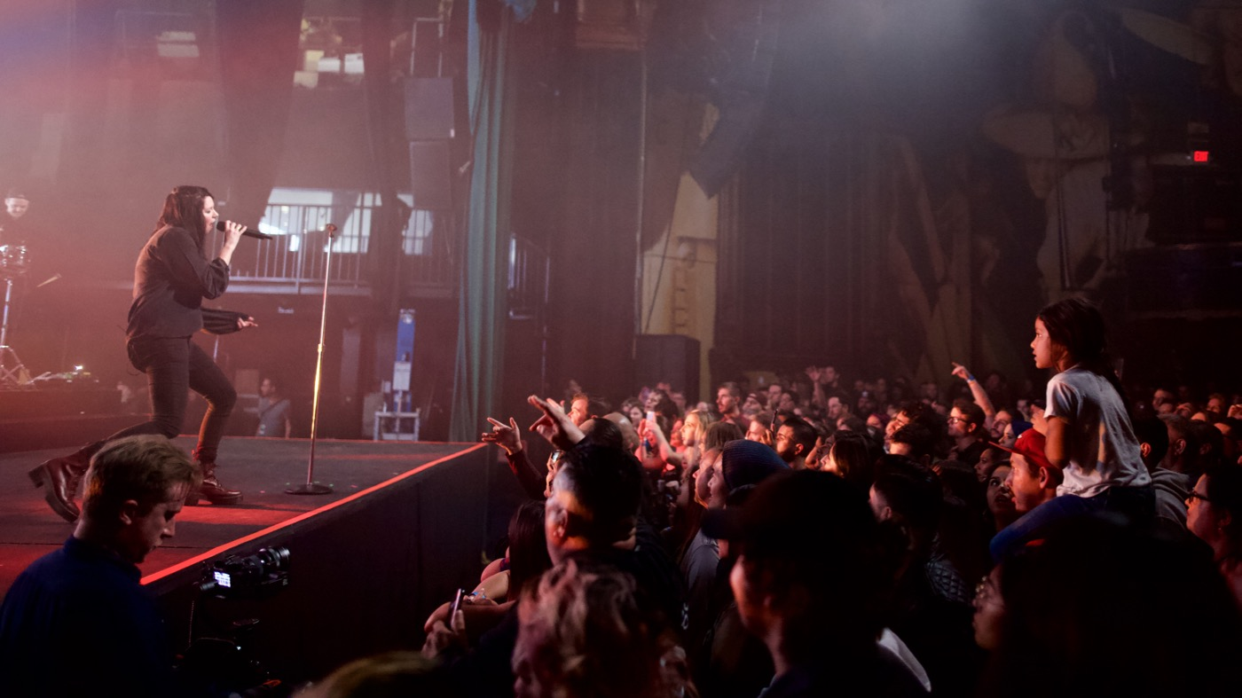 K.Flay @ Fonda Theatre 1/12/18. Photo by Derrick K. Lee, Esq. (@Methodman13) for www.BlurredCulture.com.
