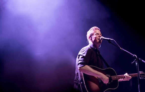 Josh Ritter @ Brooklyn Steel 10/29/17. Photo by Vivian Wang (@Lithophyte) for www.BlurredCulture.com.