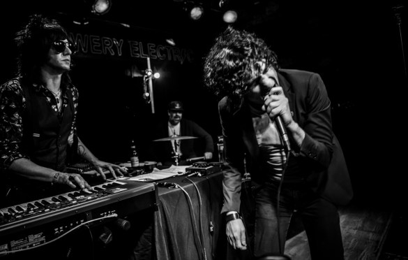 Jesse Malin for Alan Vega's Tribute @ Bowery Electric 1/25/18. Photo by Vivian Wang (@Lithophyte) for www.BlurredCulture.com.