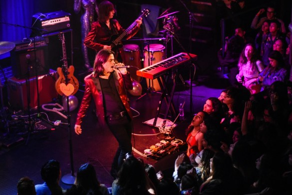 Vista Kicks @ The Troubadour 2/14/18. Photo by Constantin Preda (@ctpredaportraits) for www.BlurredCulture.com.