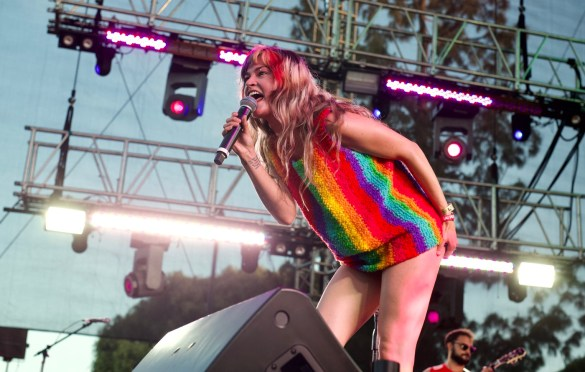 Lauren Ruth Ward @ LA! Pride 6/9/18. Photo by Derrick K. Lee, Esq. (@Methodman13) for www.BlurredCulture.com.