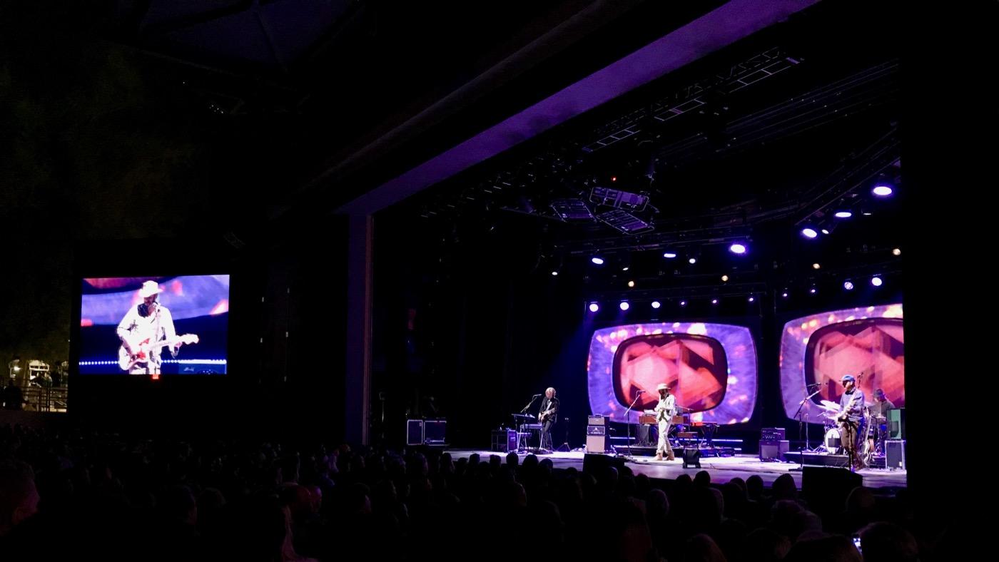 Ray LaMontagne @ Greek Theatre 6/3/18. Photo by Rachel Ann Cauilan (@Rachelcansea) for www.BlurredCulture.com.