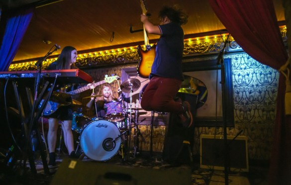 Velvet Starlings @ Madame Siam 8/4/18. Photo by Derrick K. Lee, Esq. (@Methodman13) for www.BlurredCulture.com.