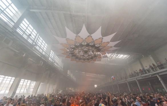 Elements Fest NYC 8/11/18. Rave Atmosphere. Photo by Dan Goloborodko (@golo_lifestyle) for www.BlurredCulture.com.