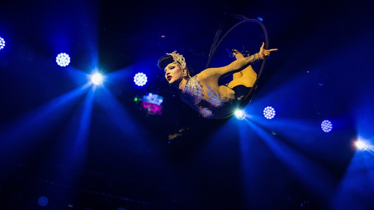 Violet Chachki Gives The Complete Burlesque Package At Lucha Vavoom