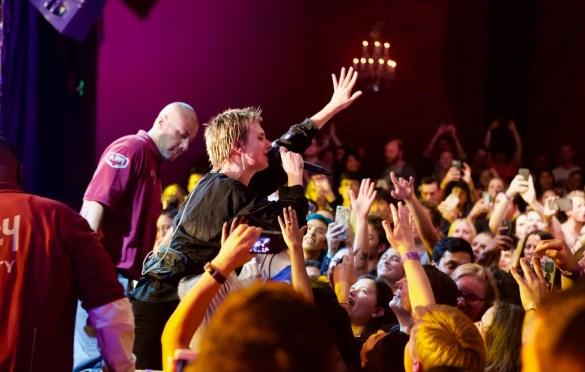 MØ @ El Rey Theatre 9/18/18. Photo by Emilie Svensson (@emsven13) for www.BlurredCulture.com.