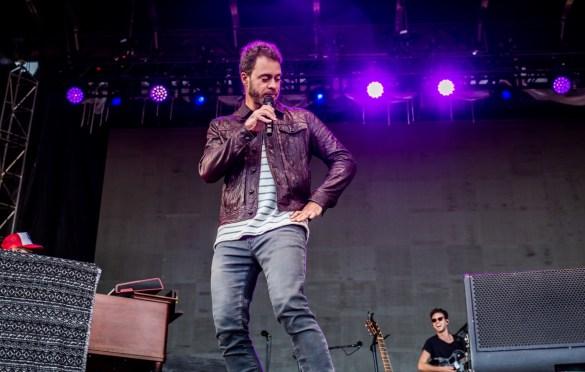 Amos Lee @ The Ohana Fest 9/28/18. Photo by Derrick K. Lee, Esq. (@Methodman13) for www.BlurredCulture.com.