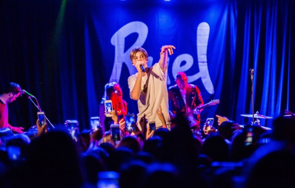 Ruel @ The Roxy 9/21/18.  Photo by Derrick K. Lee, Esq. (@Methodman13) for www.BlurredCulture.com.