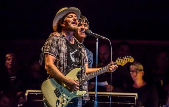 Eddie Vedder & Johnny Marr @ The Ohana Fest 9/29/18. Photo by Derrick K. Lee, Esq. (@Methodman13) for www.BlurredCulture.com.