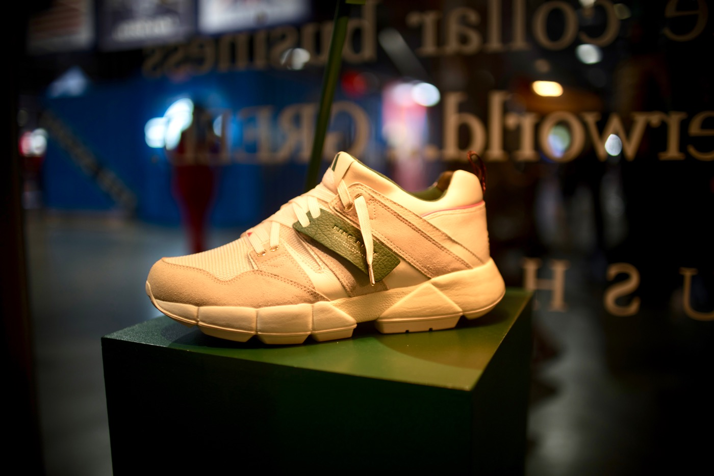 sale retailer 49e92 17e87 King Push Exclusive Adidas   ComplexCon 2018. Photo by Markie Escalante  ( Markie818) for www.BlurredCulture.com.