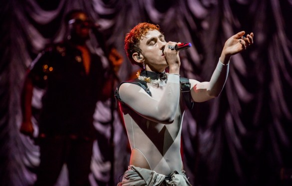 Years & Years @ The Wiltern 10/25/18. Photo by Derrick K. Lee, Esq. (@Methodman13) for www.BlurredCulture.com.
