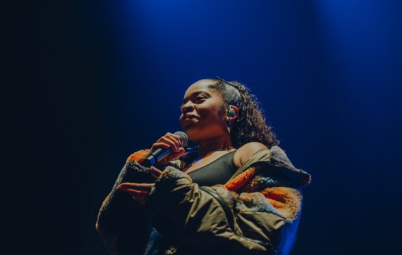 Ella Mai for Soulection Experience @ The Shrine Auditorium 2/2/19.  Photo by Summer Dos Santos (@SummerDosSantos) for www.BlurredCulture.com.