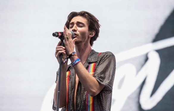 Greyson Chance @ LA! Pride 6/9/19. Photo by Derrick K. Lee, Esq. (@Methodman13) for www.BlurredCulture.com.