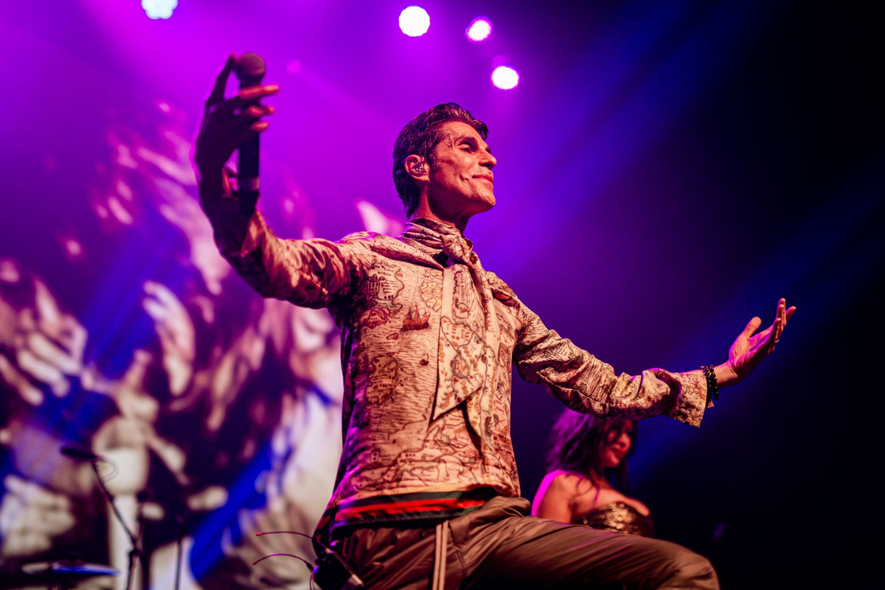 Perry Farrell, Above Ground @ Fonda Theatre 9/16/19. Photo by Derrick K. Lee, Esq. (@Methodman13) for www.BlurredCulture.com.