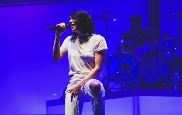 K.Flay @ The Wiltern 10/9/19. Photo by Betsy Martinez (@BetsyMartinezPhotography) for www.BlurredCulture.com.