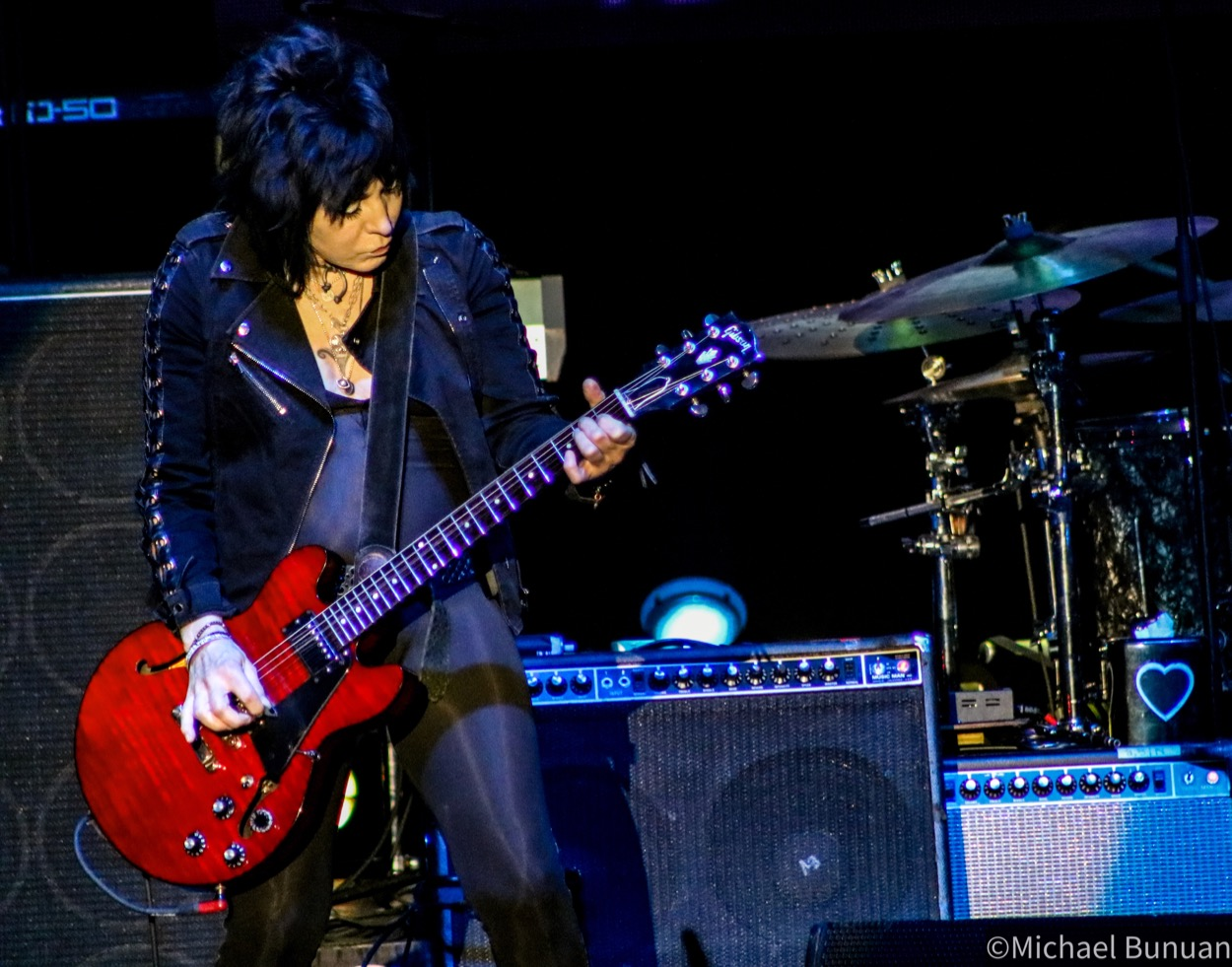 Joan Jett and the Blackhearts @ FivePoint Amphitheatre 10/26/19. Photo by Michael Bunuan. (@Michael_Bunuan_Photogrpahy) for www.BlurredCulture.com.