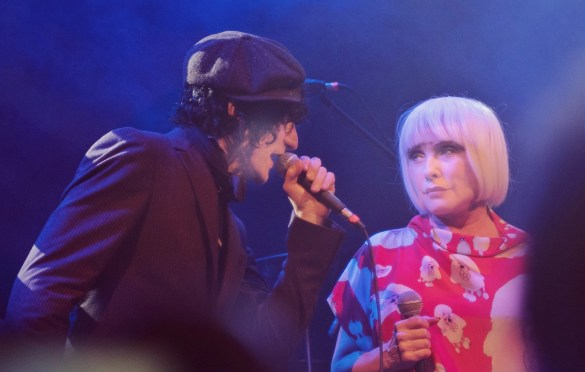 Jesse Malin & Debbie Harry, This Is London Calling @ Bowery Ballroom 12/14/19. Photo by Vivian Wang (@Lithophyte) for www.BlurredCulture.com.