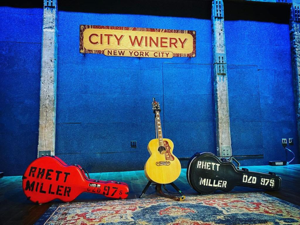 Rhett Miller @ City Winery 4/8/21. Photo by Kristie Gripp (@tippy13kristie). Used with permission.