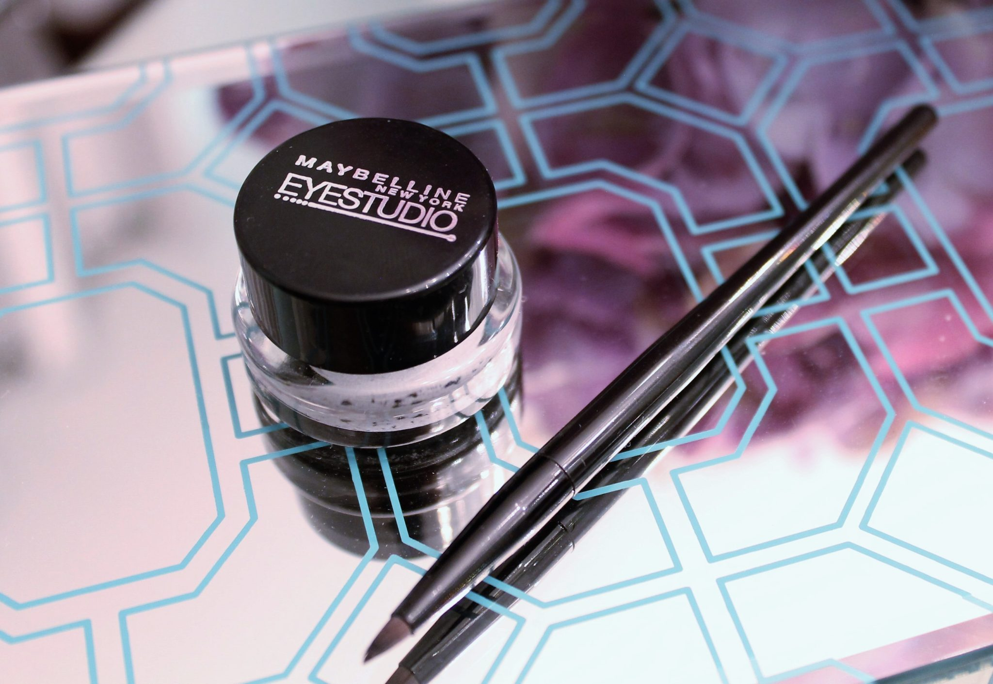 Look - New revive to eyeliners your makeup routine video