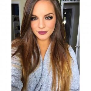 Casey Holmes aka itsbl0ndie on YouTube in Kat Von D Everlasting Liquid Lipstick in Lolita