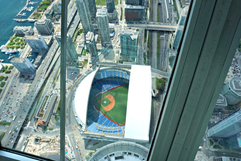 cn-tower-toronto-view-blue-jays-stadium